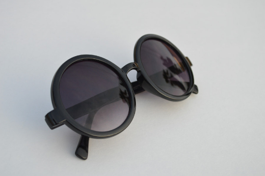 Round Sunglasses Black retro Classic main