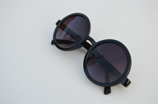 Round Sunglasses Black retro Classic side