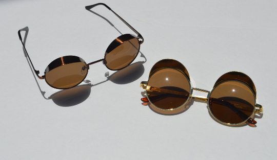 Round Steampunk Metallic Sunglasses In Gold open view