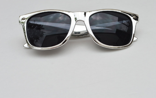Wayfarer Round Metallic Sunglasses front view