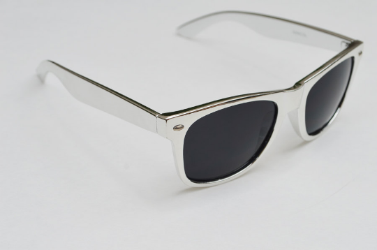 Wayfarer Round Metallic Sunglasses side view 2