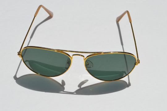 Aviator Sunglasses Dark lense horizontal front view