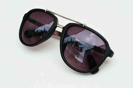 Aviator sunglasses in Matte round slant view