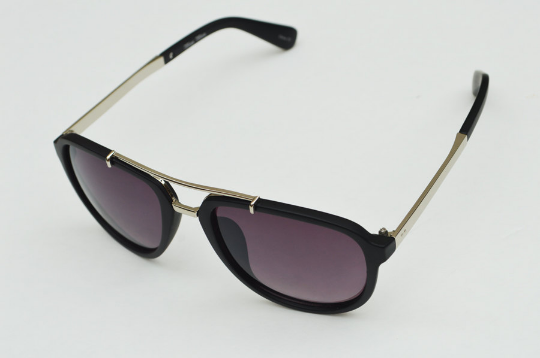 Aviator sunglasses in Matte round diagonal  view
