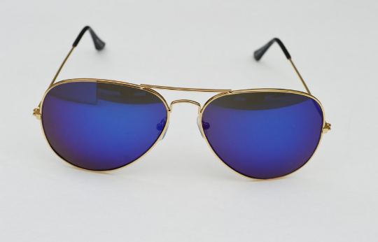 Aviator sunglasses in blue front  view