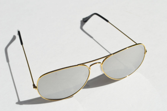 Aviator sunglasses in Metallic crooked view