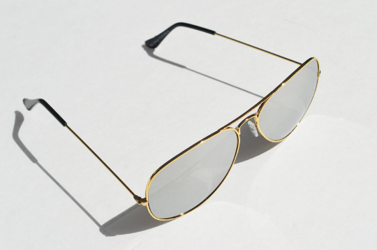 Aviator sunglasses in Metallic side  view