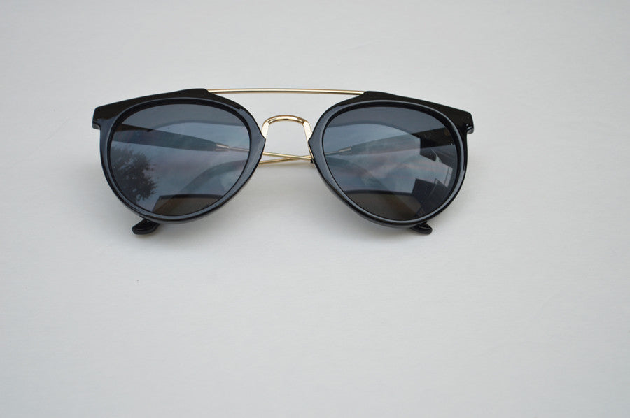 Round Street Style Sunglasses With Gold Accents black