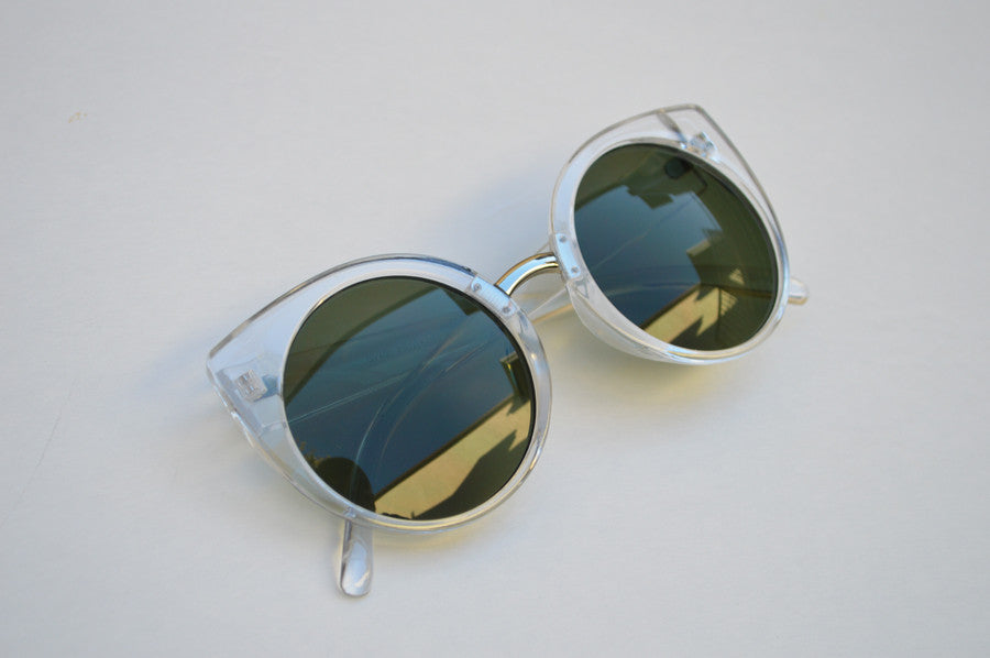 Cateyes Oversized Classic Sunglasses white