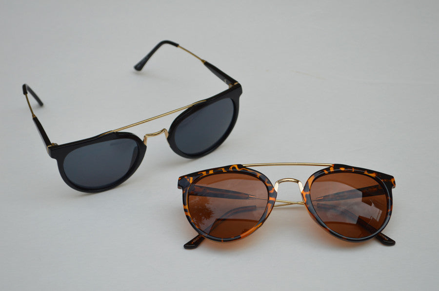 Round Street Style Sunglasses With Gold Accents front