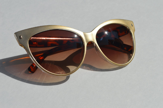 Cat Eyes sunglasses metallic Gold side view