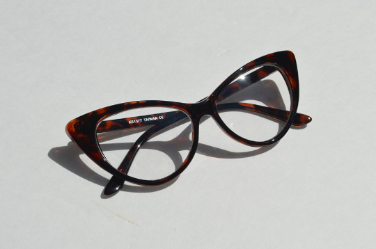 Cat eyes non prescription Dark Tortoise side view
