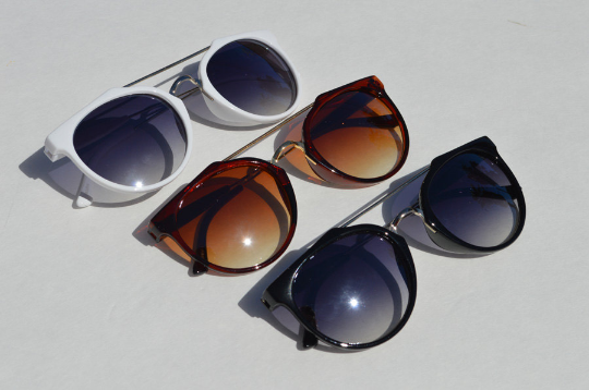 Cat eyes Sunglasses in White Brown lineup view