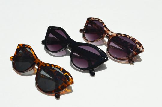 Cat Eyes sunglasses sleek combo view