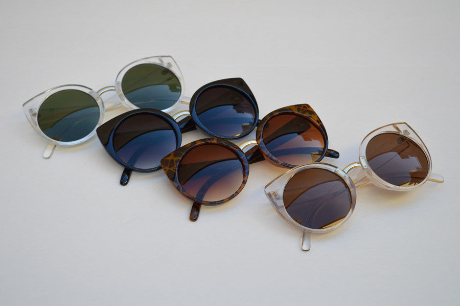 Cateyes Oversized Classic Sunglasses main