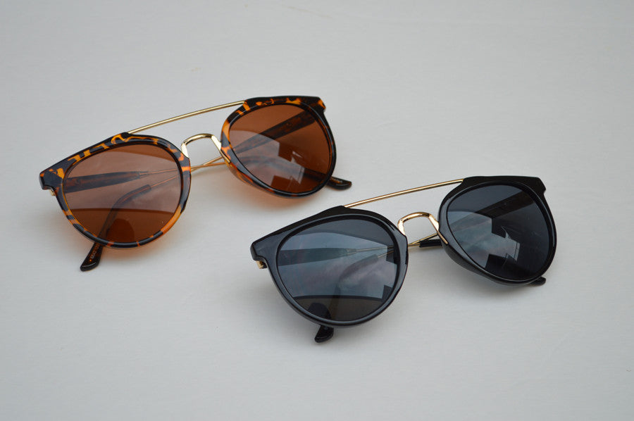 Round Street Style Sunglasses With Gold Accents combo