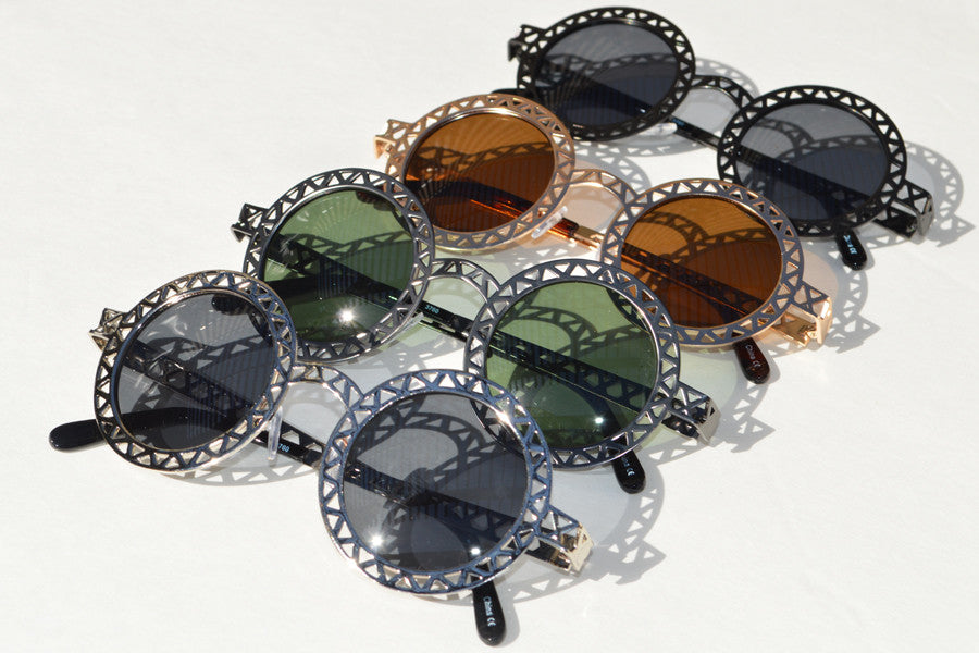 Round Metallic Cut out Dark Lense Sunglasses multi