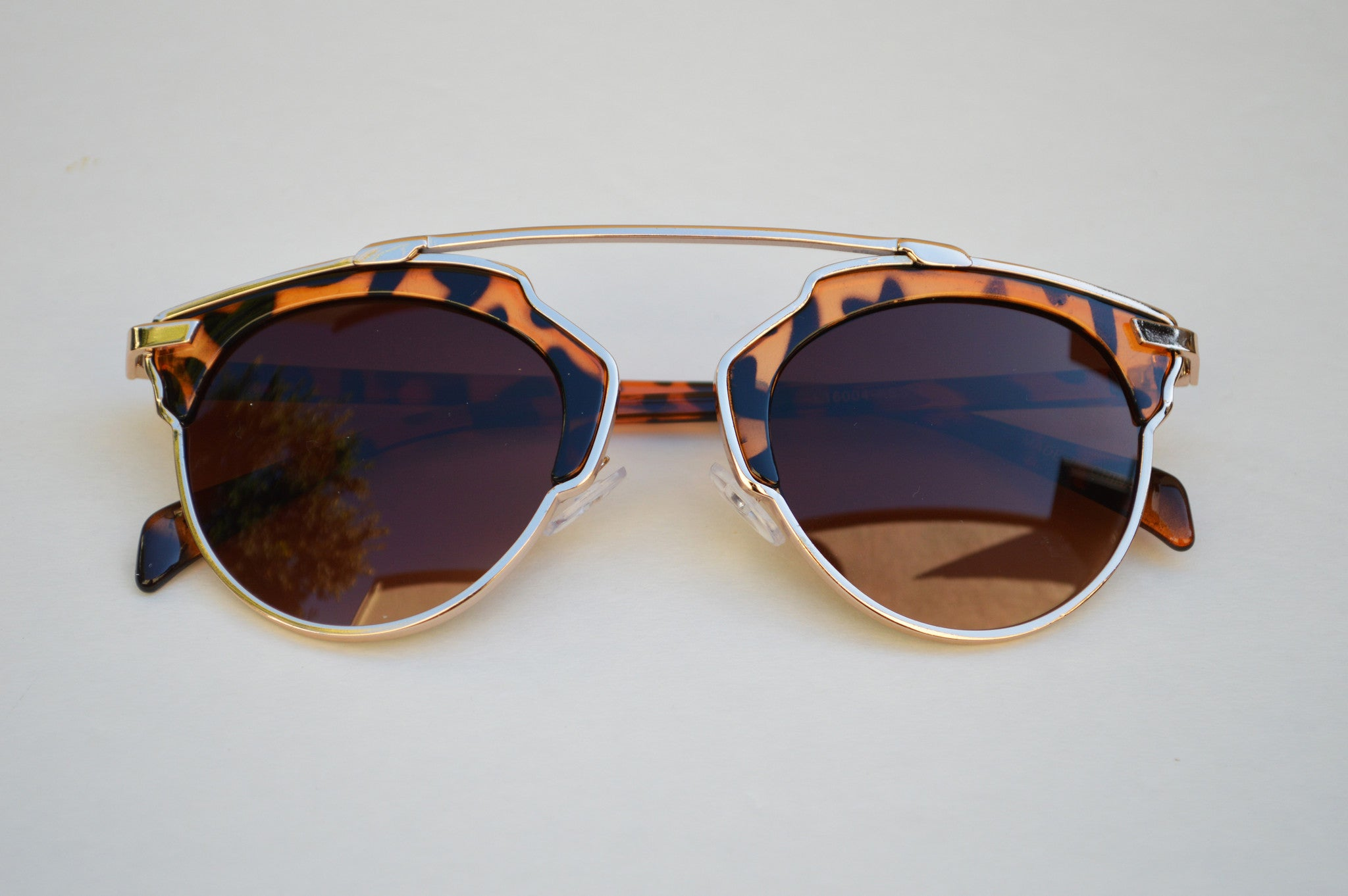 Cat eyes High Fashion Round Metallic Mirrored Sunglasses tortoise