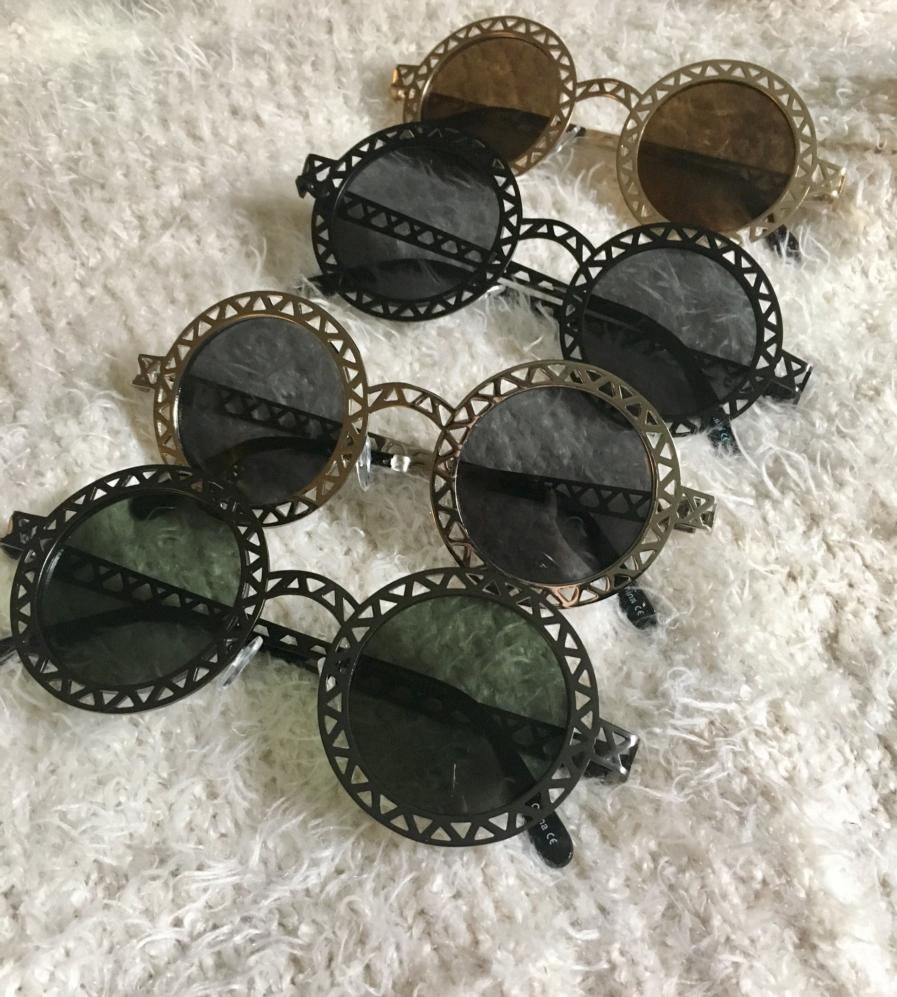 Round Metallic Cut out Dark Lense Sunglasses -All metal