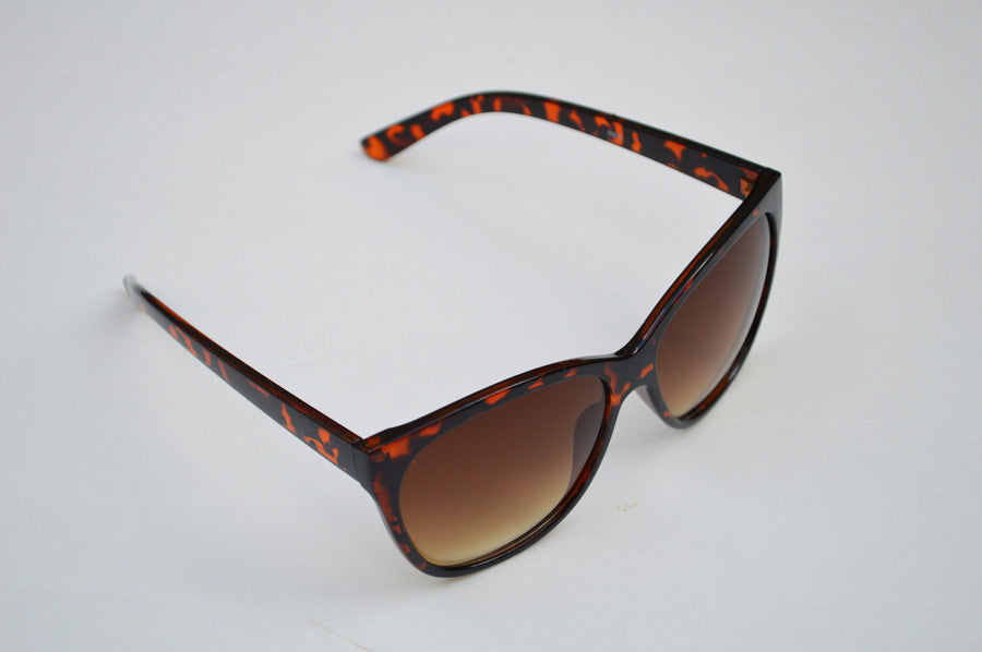 Round Oversized Cateyes in Brown Ultra Chic Sunglasses side