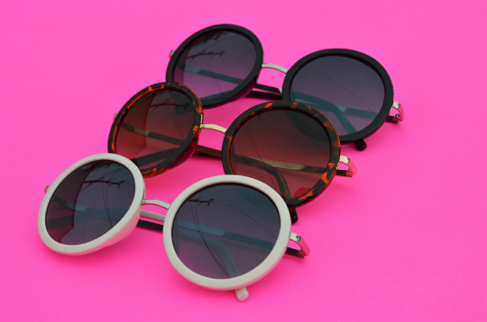 Round Sunglasses with silver accent in  Blush