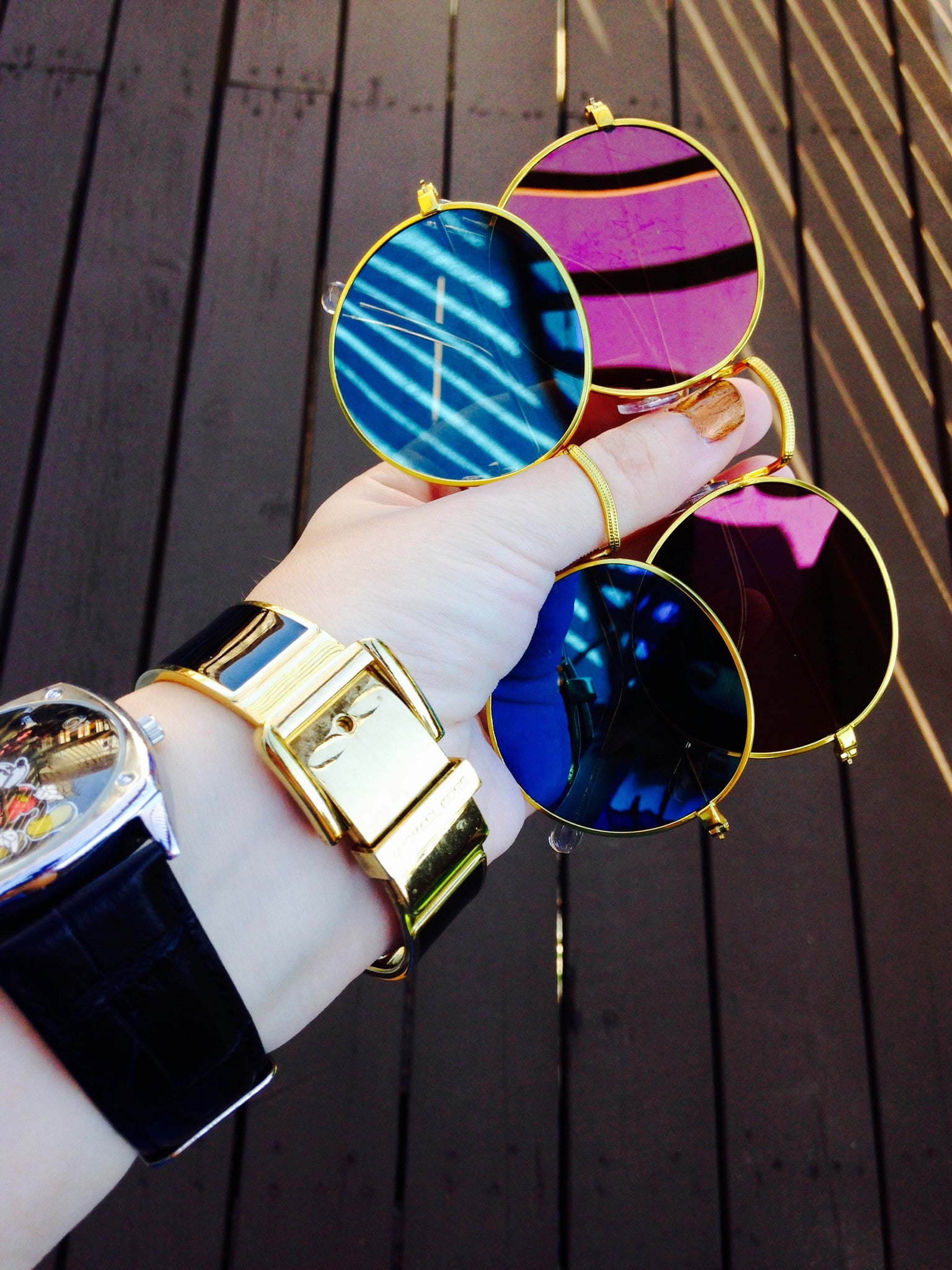 Round Metallic Mirror Sunglasses main