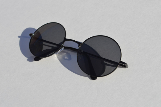 John Lennon sunglasses in round black diagonal  view