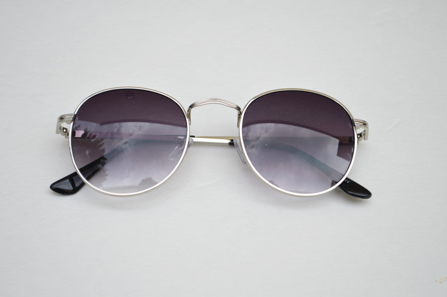 Round Unisex Dark Frame Silver Sunglasses top