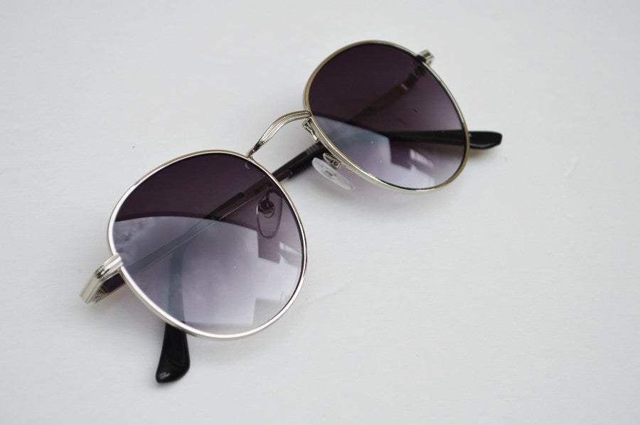 Round Unisex Dark Frame Silver Sunglasses side