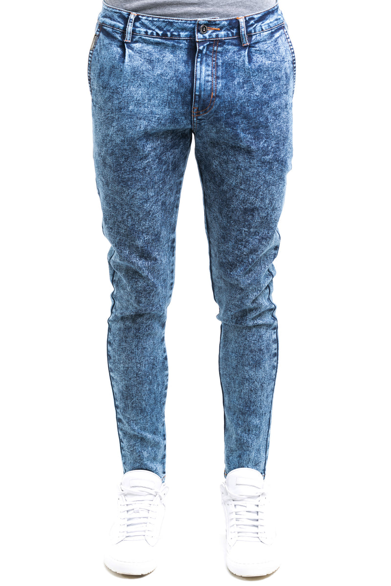 Haze Jeans With Tapered Straight Cut Finish Throughout The Leg