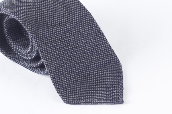 Navy-Grey Houndstooth in Wool Silk