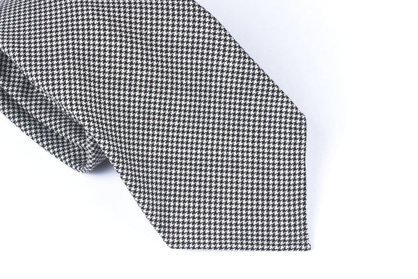 Black-White Houndstooth Wool