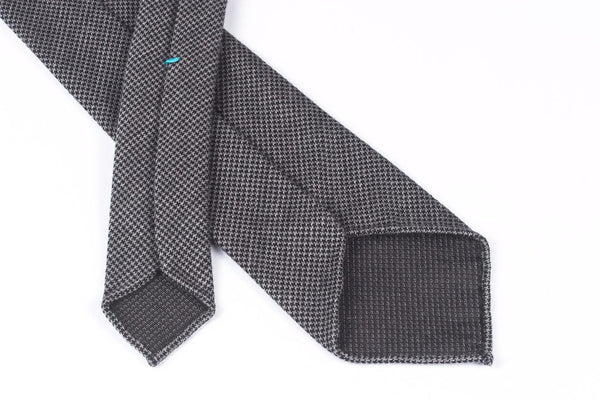 Black-Grey Houndstooth