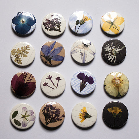 25 mm Badge - Pressed Flowers - Lucky Dip