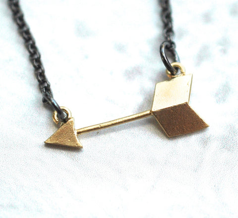 Golden Arrow Necklace - GEN504
