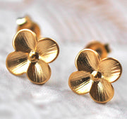 Tiny Gold Flower Earrings - GEE517 - Harlow Jewelry - 2