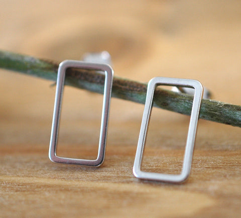 Silver Rectangle Earrings - GEE504