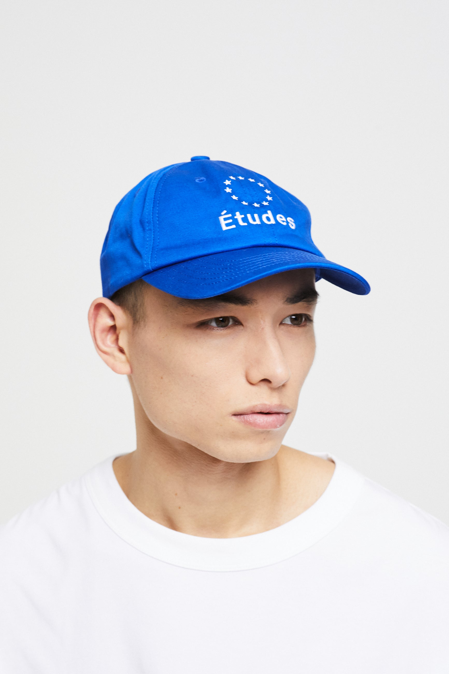 Études Booster Logo Blue Hat 2