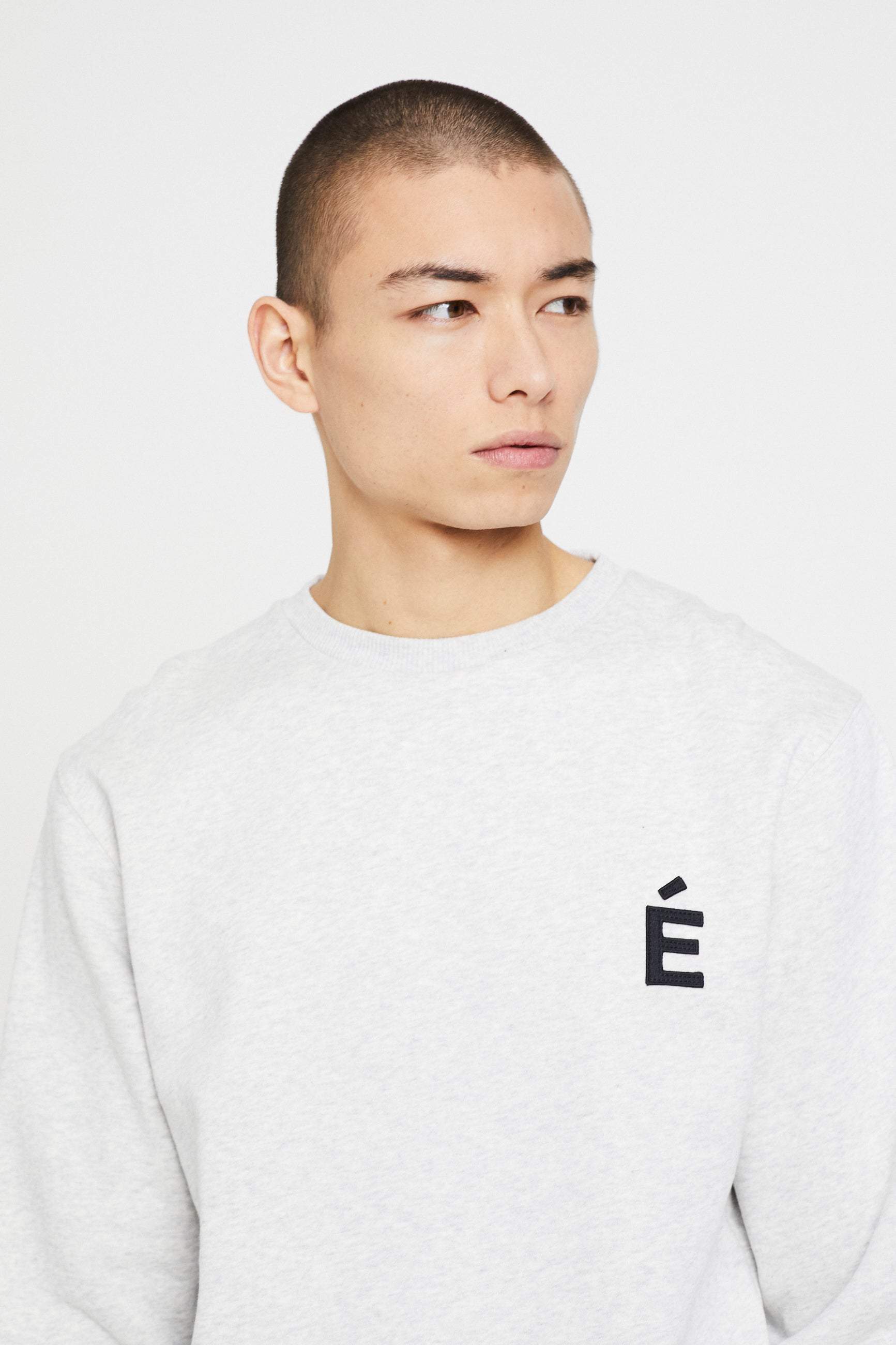 Études Story Patch Heather Grey Sweatshirt 2