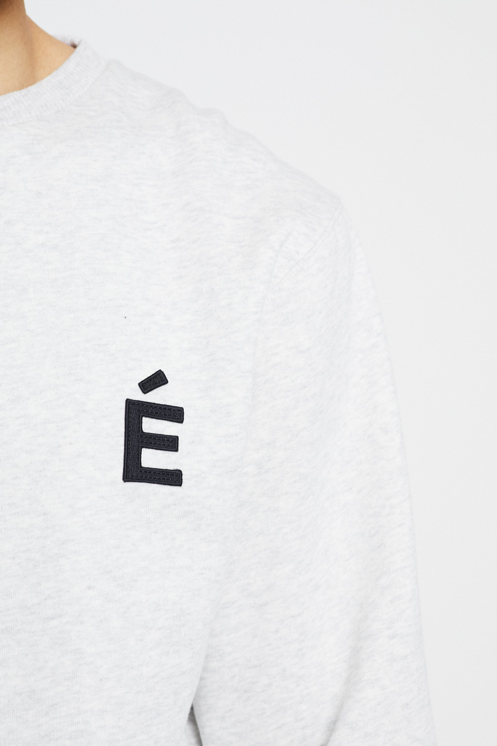 Études Story Patch Heather Grey Sweatshirt 4