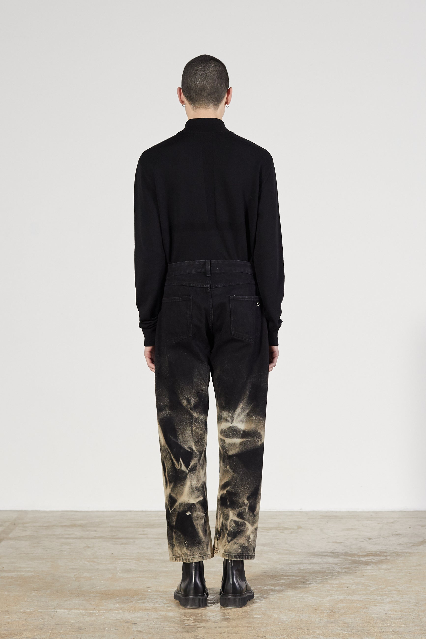 CORNER DENIM BLACK BLEACHED