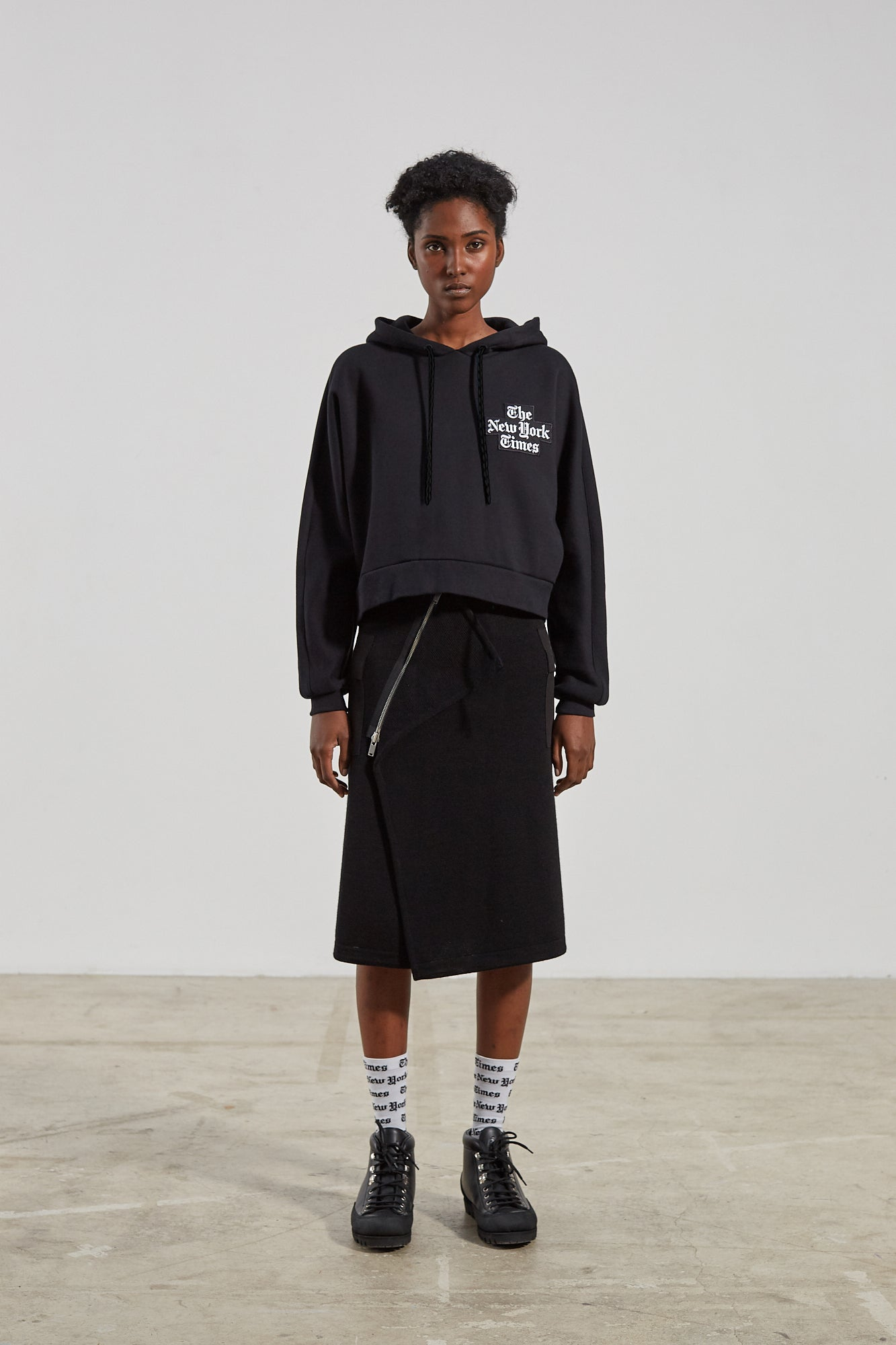 MUNDO HOODY NEW YORK TIMES