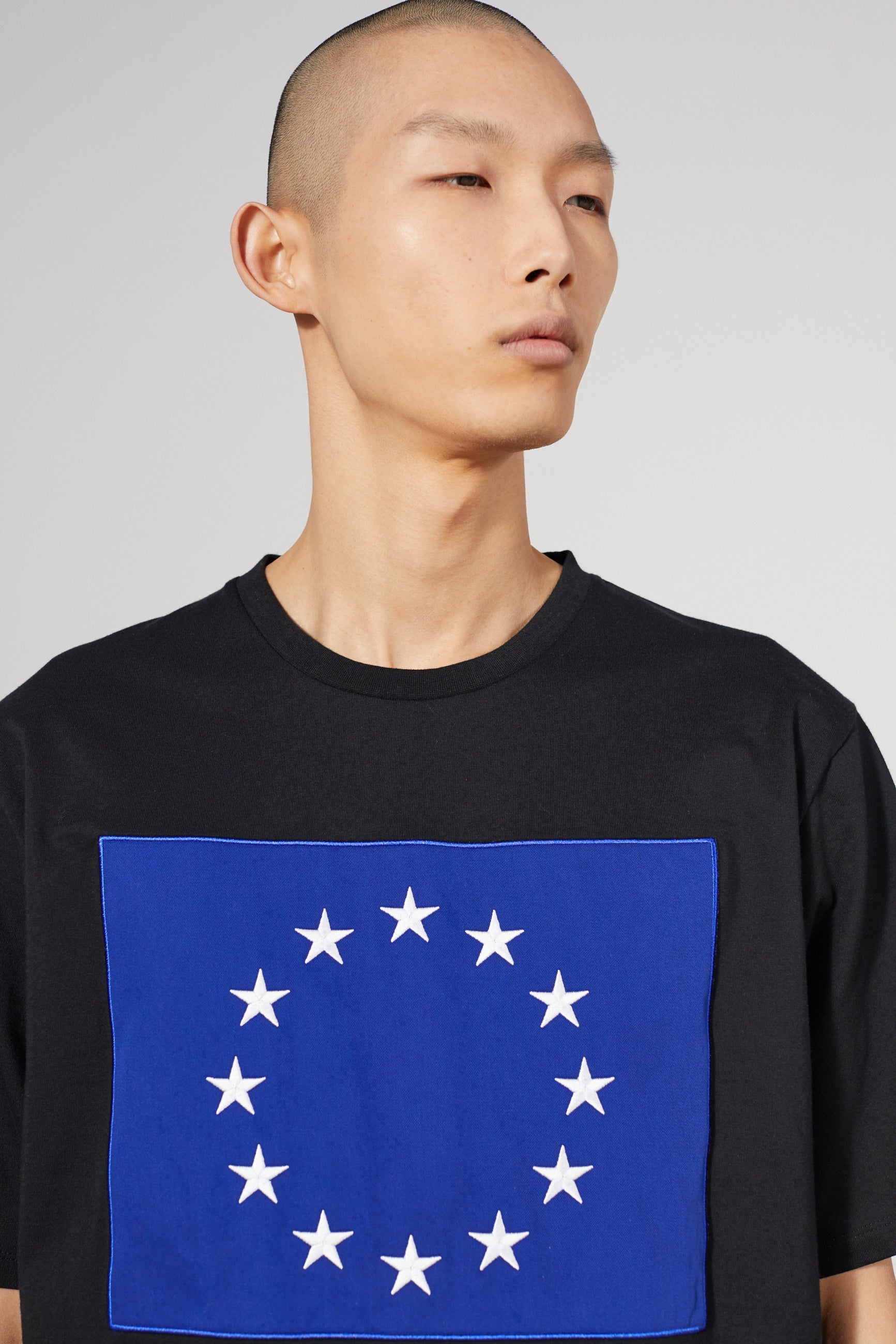 WONDER FLAG EUROPA BLACK T-SHIRT