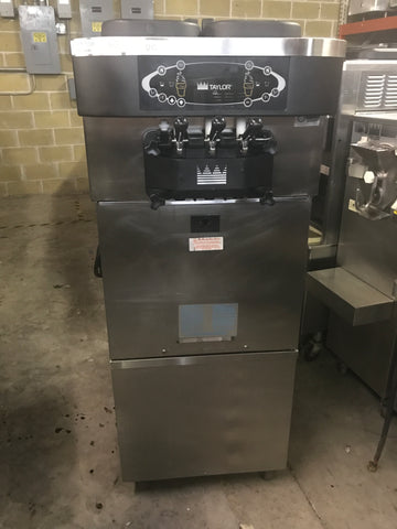 2011 TAYLOR C723 SERIAL M1097243 3PH WATER SOFT SERVE ICE CREAM FROZEN YOGURT MACHINE