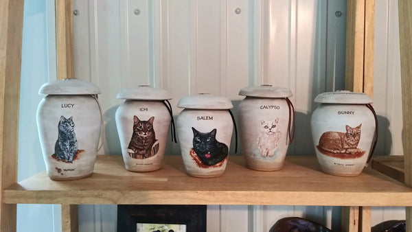 custom pet urns Malloryville Pottery