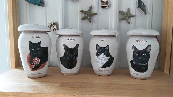 pet urns and memorial keepsakes