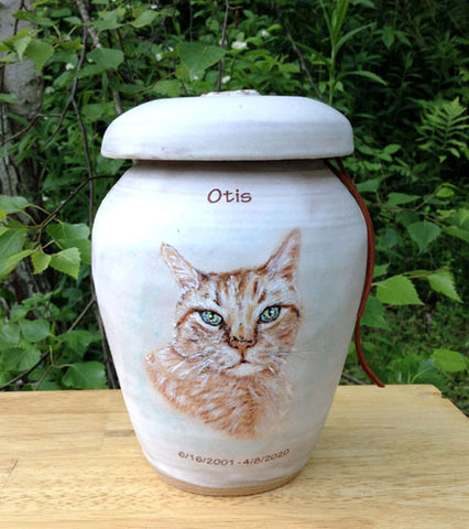 Stoneware urn with image of your pet