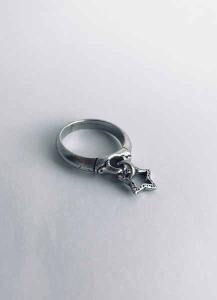 Danon Star Charm Ring