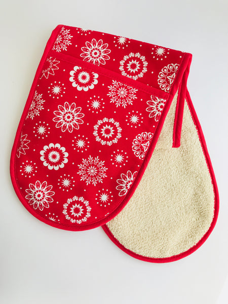Crisp & Dene Christmas Snowflake Oven Gloves, Red