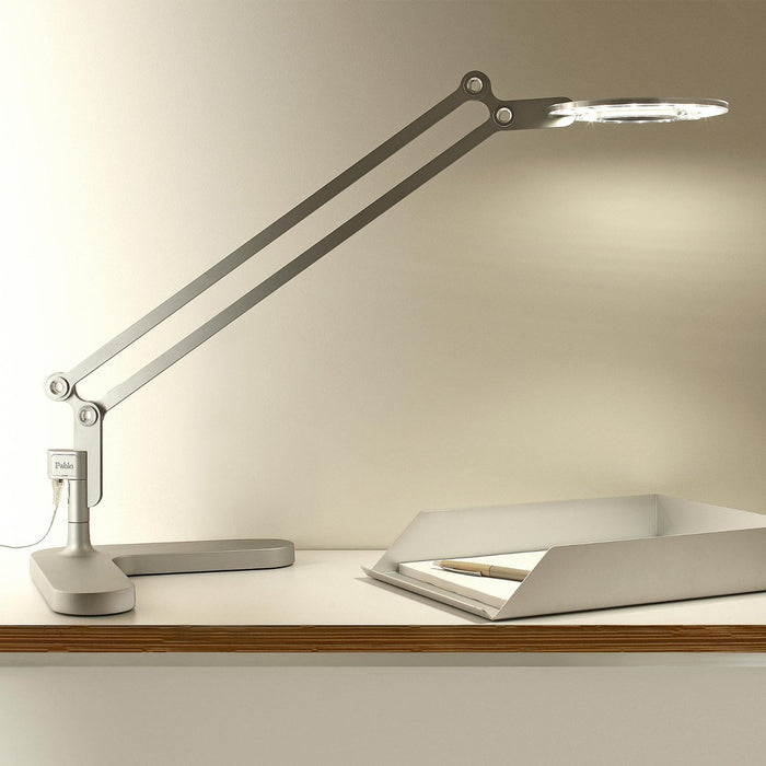 Link Medium Table Lamp - Display